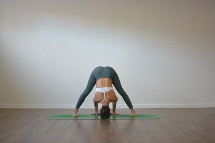 best yoga poses prasarita padottanasana a photos