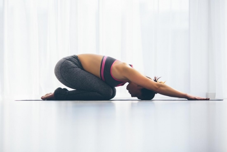 essential yoga positions for gas image