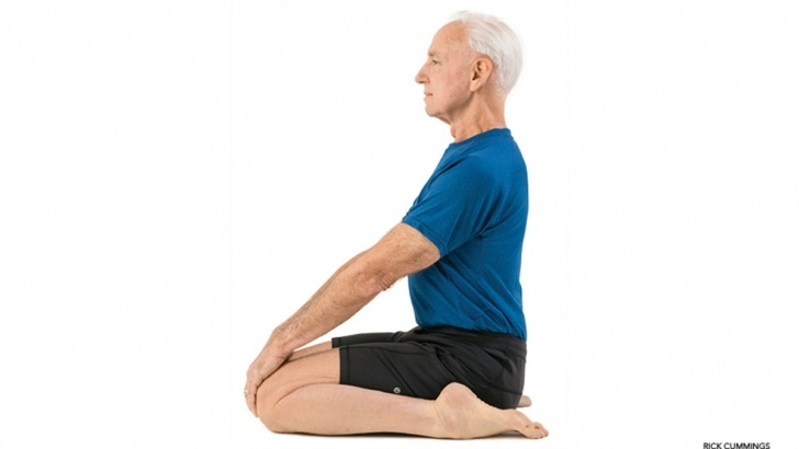 most common yoga poses on knees photos