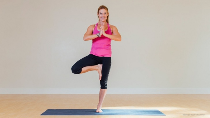 must know yoga poses on one leg pictures