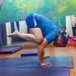 Popular Yoga Poses Bakasana Information In Marathi Photo